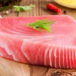 Как на рыбалке мы готовим сашими из тунца?